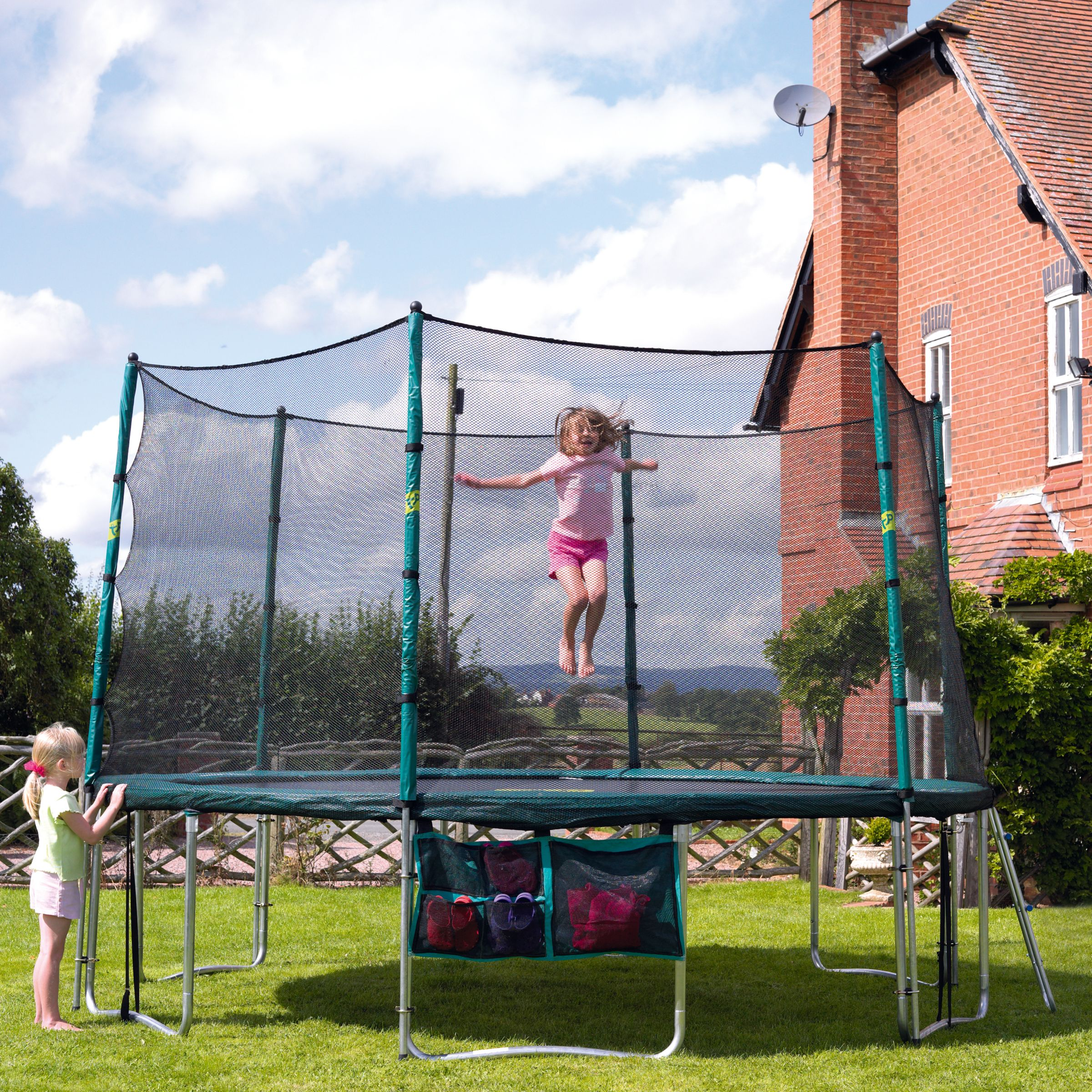 Special Offer TP272 Sovereign 12ft Trampoline and 12ft Bounce Surround
