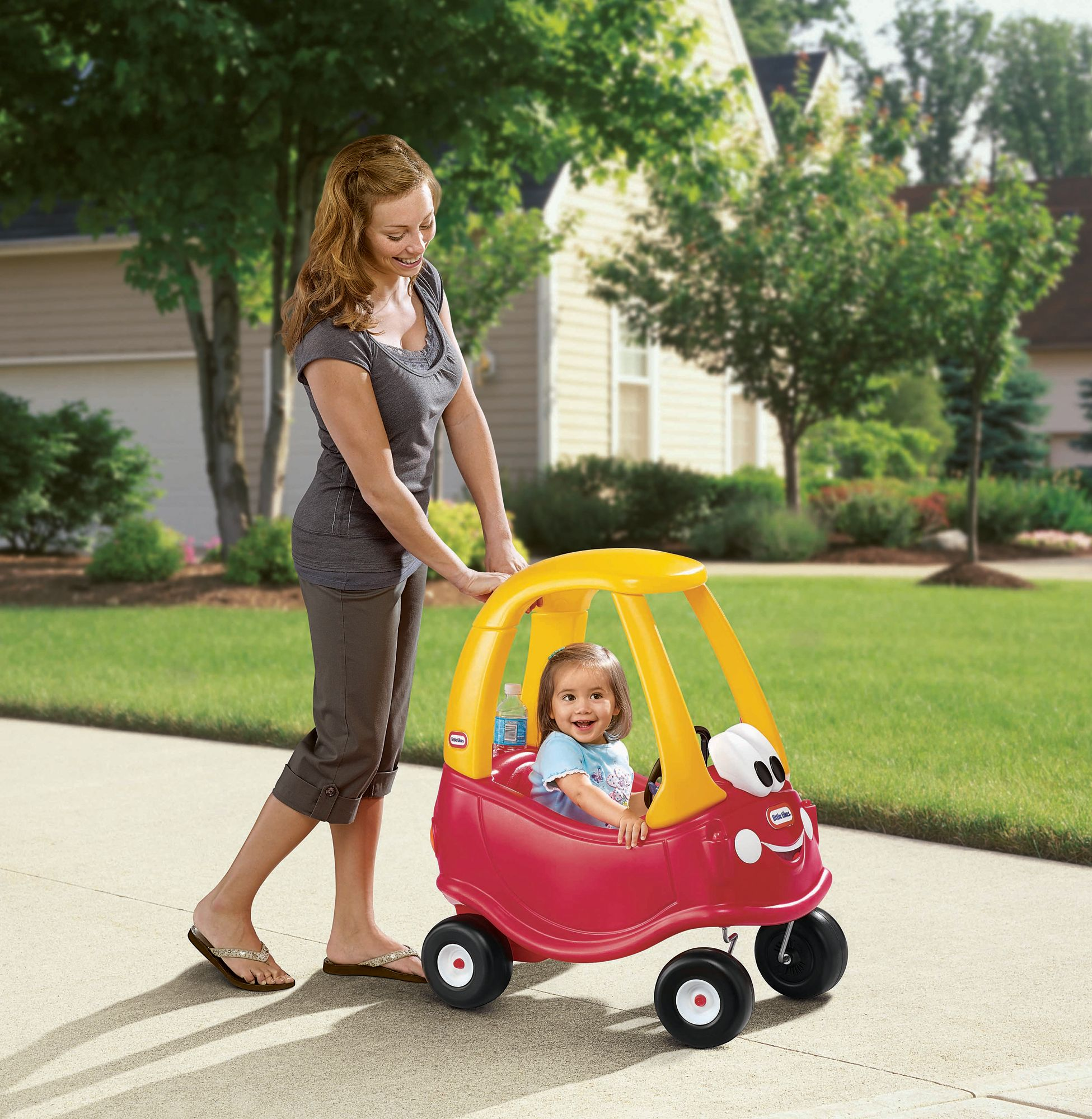 Little Tikes 30th Anniversary Edition Cozy Coupe, Red/Yellow