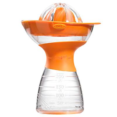 Мечта маньячки. Кухня в салатовом и оранжевом цвете.