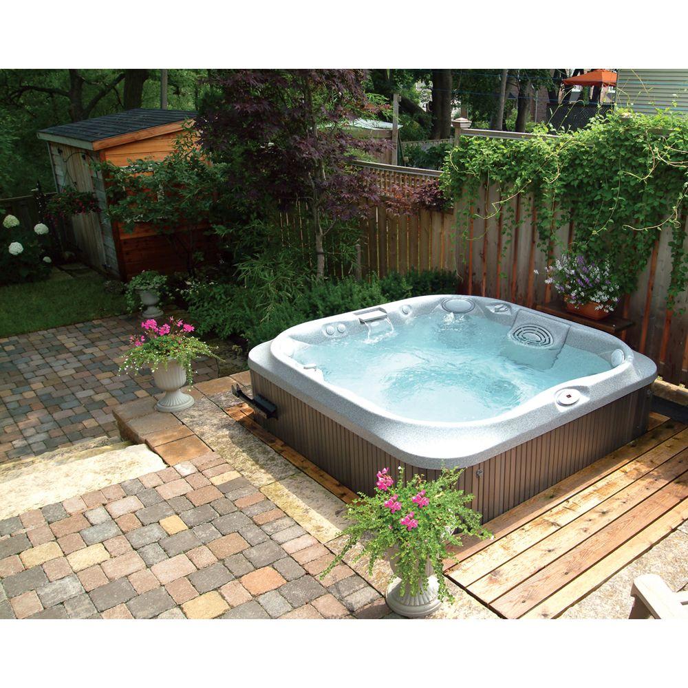 Jacuzzi UK Family Outdoor Hot Tub, Pearl Acrylic / Roast Chestnut Cabinet
